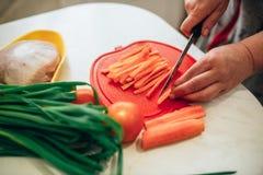 Подготовка вегетарианской еды стоковые фотографии rf