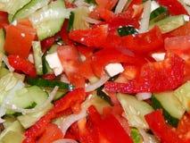 Подготовка греческого салата дома Стоковое Изображение RF