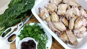 Подготовка для итальянского сотейника цыпленка стоковые фото