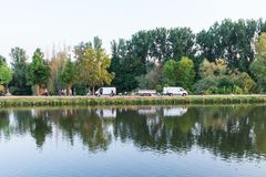 Подготовка для фейерверков Maidult в Регенсбурге, Германии Стоковые Фотографии RF