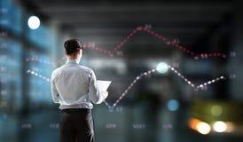 Подготовка ежегодного финансового отчета Мультимедиа стоковые изображения