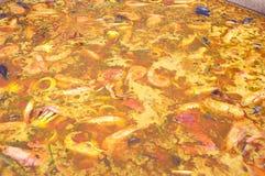Подготовка исполинской паэлья с морепродуктами 062 Стоковая Фотография