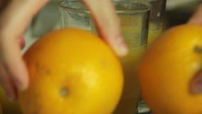 Подготовка студня для мусса шоколада с оранжевым студнем акции видеоматериалы
