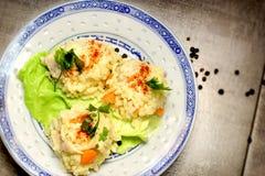 Подготовленный рис с едой мяса цыпленка, очень вкусного и здоровых стоковое фото rf