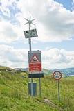 подготовляет дорожные знаки энергии зеленые Стоковые Фотографии RF
