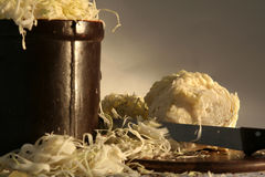 подготовлять sauerkraut Стоковая Фотография