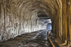 Подземная система под городом стоковая фотография