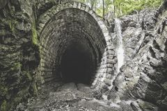 Подземная система под городом стоковые изображения rf
