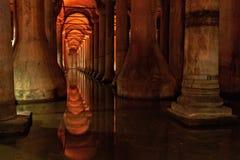 Подземная цистерна базилики, хранение воды, Стамбул Турция Стоковые Фото