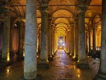 Подземно-минная цистерна базилики Стамбул, Турция стоковые изображения rf