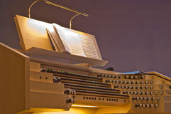 подлинный орган нот аппаратуры Стоковая Фотография RF