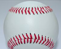 поднимающее вверх бейсбола близкое Стоковое Фото