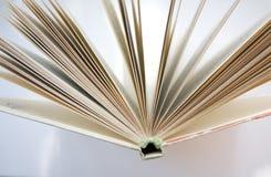поднимающее вверх книги близкое Стоковое Изображение RF