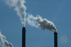 поднимая дымовая труба дыма Стоковые Фото