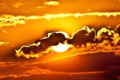 поднимая солнце стоковые фото