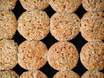 Поднос выпечки с булочками овощей с цукини стоковое изображение
