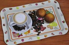 Поднос для завтрака или закуски стоковые изображения rf