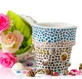 Поднял и цветочный горшок мозаики Стоковая Фотография