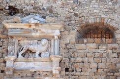 подогнали святой метки льва, котор Стоковые Изображения