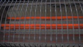 Подогреватель переключает  Концепция для нагревать, жара, холод, зима, домочадец, прибор, поворачивая включено-выключено, радиато акции видеоматериалы