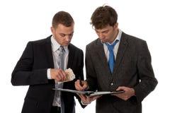 подписание подряда бизнесмена Стоковое Изображение