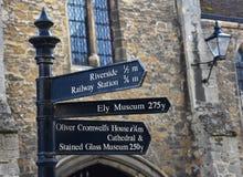 Подпишите для туристических достопримечательностей в Ely, Cambridgeshire, Великобритании стоковое изображение rf