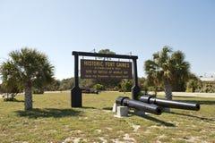 Подпишите на входе исторического форта Gaines в Алабаме Стоковое Изображение
