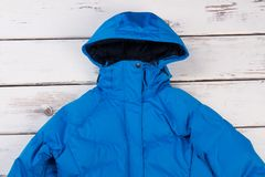 Подрезанное фото с капюшоном куртки Стоковые Фотографии RF