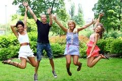 подростки группы девушок мальчиков Стоковая Фотография