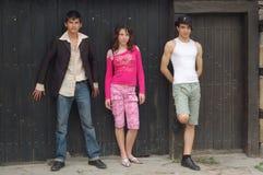 подростки группы стоковое изображение