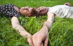подростки пар любящие молодые Стоковое Изображение