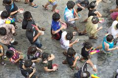 подростки songkran празднества тайские Стоковое Изображение