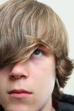 подростковое мальчика серьезное Стоковая Фотография RF
