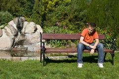 подростковое мальчика сиротливое Стоковая Фотография RF