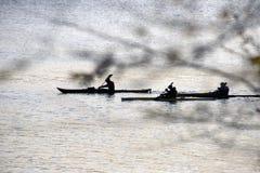 Подсвеченные каяки на воде Стоковые Фото