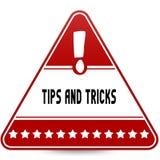 ПОДСКАЗКИ И ФОКУСЫ на красном дорожном знаке треугольника иллюстрация штока