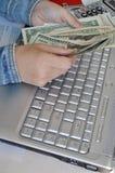 Подсчитывать деньги стоковое фото