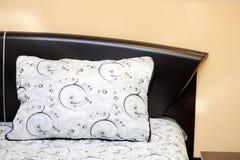 подушка кровати Стоковое Фото