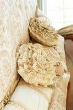 подушки кровати декоративные Стоковые Изображения RF