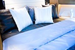 подушки кровати Стоковая Фотография RF