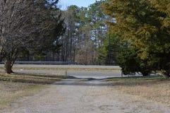 Подъездная дорога гравия в сельской Вирджинии стоковое фото