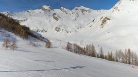 Подъем лыжи восходит акции видеоматериалы