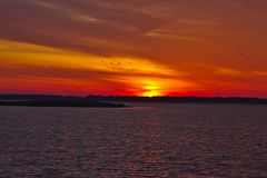 Подъем Солнця над Emiquon стоковая фотография rf
