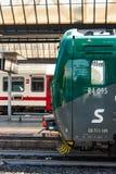 2 поезда на станции стоковая фотография rf