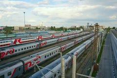 поезд бака России навальных железных дорог сырой нефти компании русский Стоковое Изображение RF
