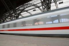 поезд движения Стоковая Фотография
