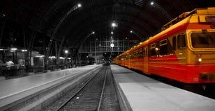 поезд железнодорожного вокзала Стоковые Фото
