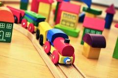 поезд игрушки городка кирпича Стоковая Фотография