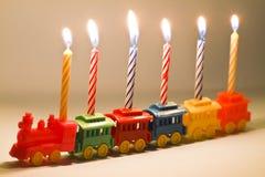 поезд игрушки свечек дня рождения Стоковое Фото