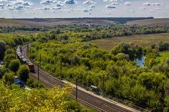 Поезд идет к лесу Стоковое Изображение